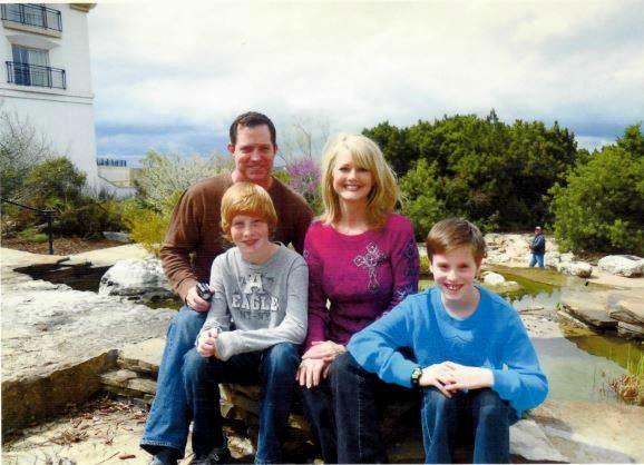 Family Photo San Antonio 2010.JPG2